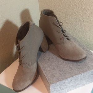 Toms Shoes, Gray Suede Ankle Lace-Up Boots